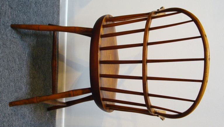 18TH C. NEW ENGLAND BOW BACK WINDSOR  ARM CHAIR W/SADDLE SEAT For Sale 3