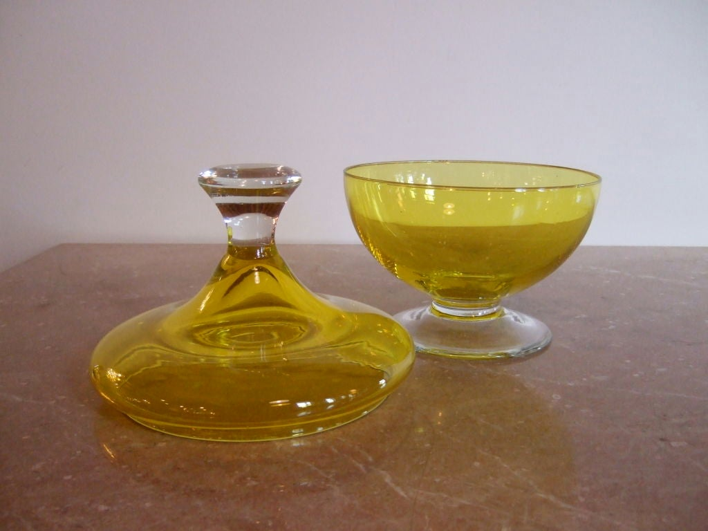 how to turn clear glass yellow