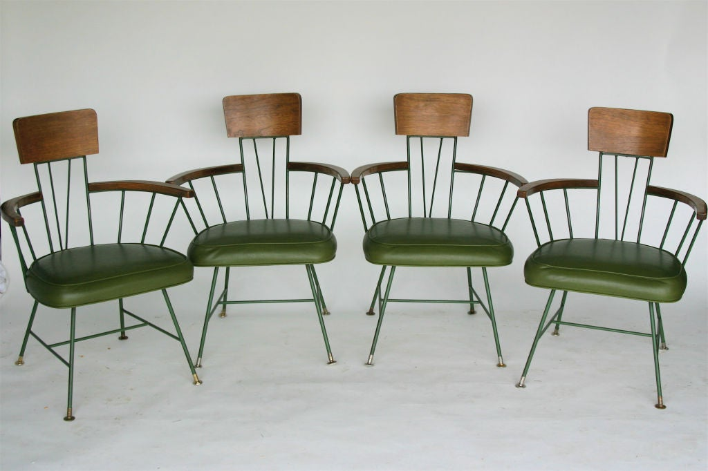 Unique Color and Beautifully Patterned  Round Top.   Matching Chairs in Excellent Condition