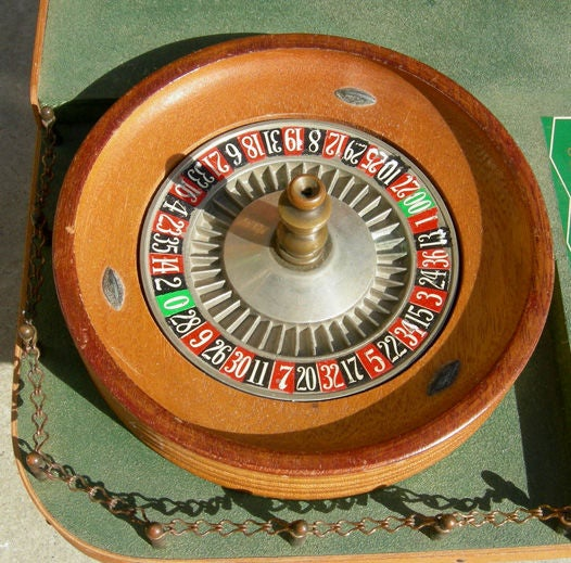 bar top roulette and craps tables from desert inn las vegas at 1stdibs. Black Bedroom Furniture Sets. Home Design Ideas
