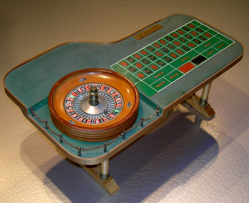 vegas roulette table