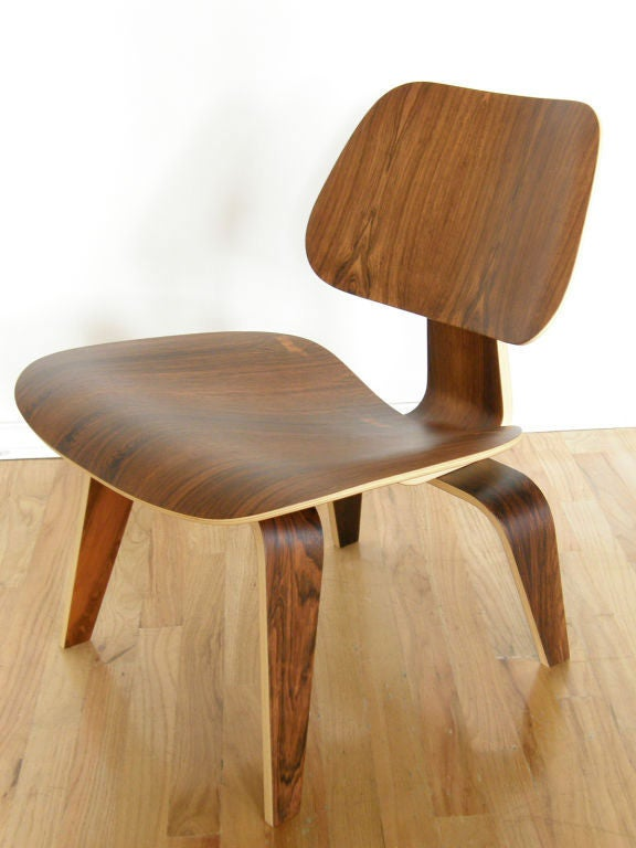 Charles Eames rosewood lounge chair For Sale 1