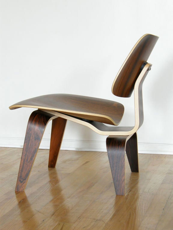 American Charles Eames rosewood lounge chair For Sale