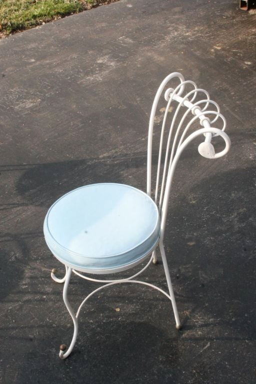 Hollywood Regency Dorothy Draper Style 1940s Wrought Iron Patio Set For Sale