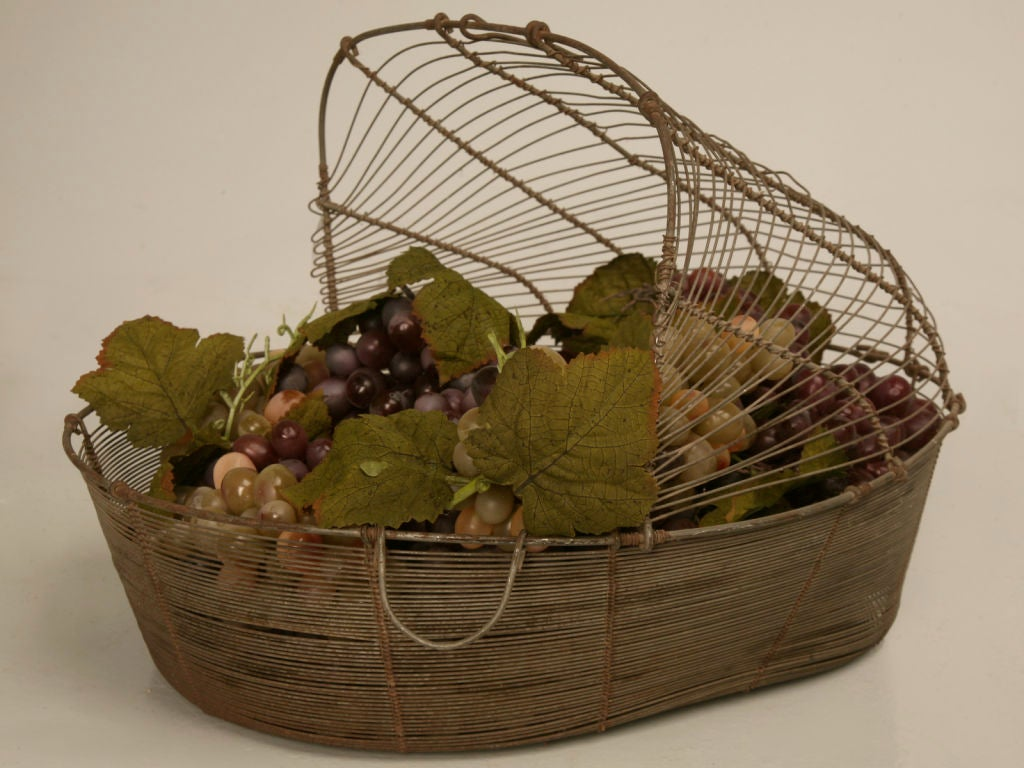 antique french wire grape harvester 39 s basket at 1stdibs. Black Bedroom Furniture Sets. Home Design Ideas