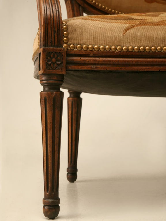 Petite 18th Century French Louis XVI Settee with Original Aubusson Upholstery For Sale 4