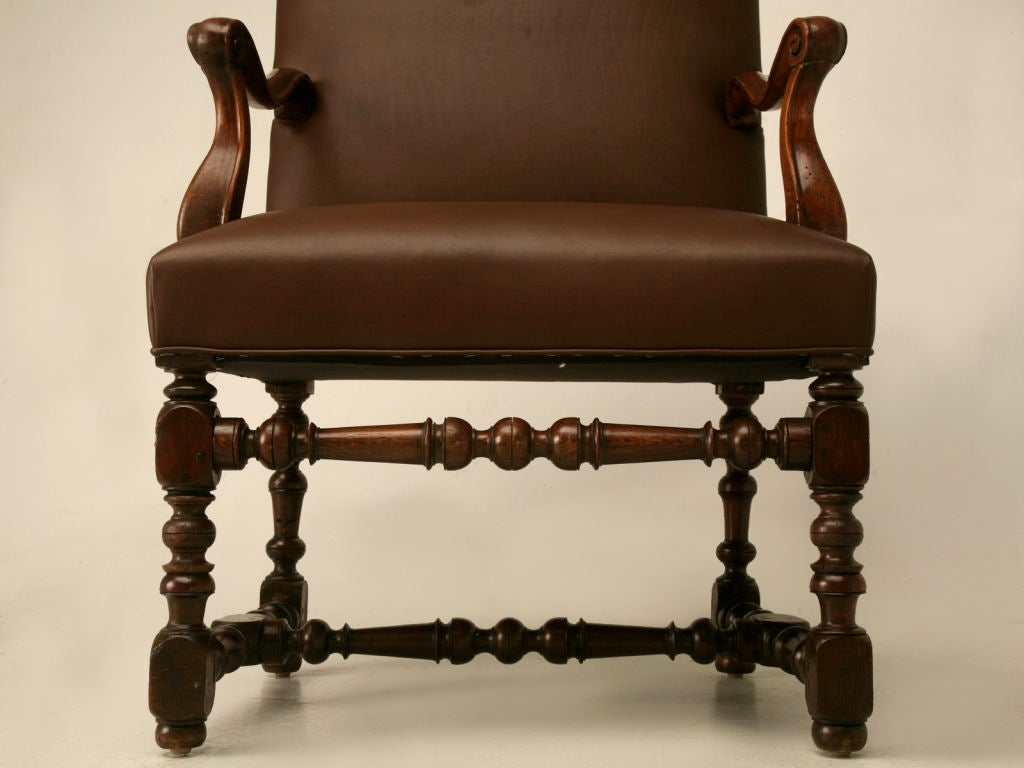 Restored 18th C. Antique French Leather Throne Chair For Sale 1