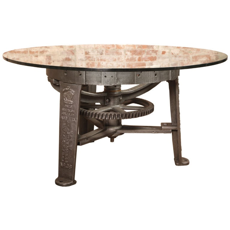 Vintage industrial center gear round table base at 1stdibs for Cuir center table basse