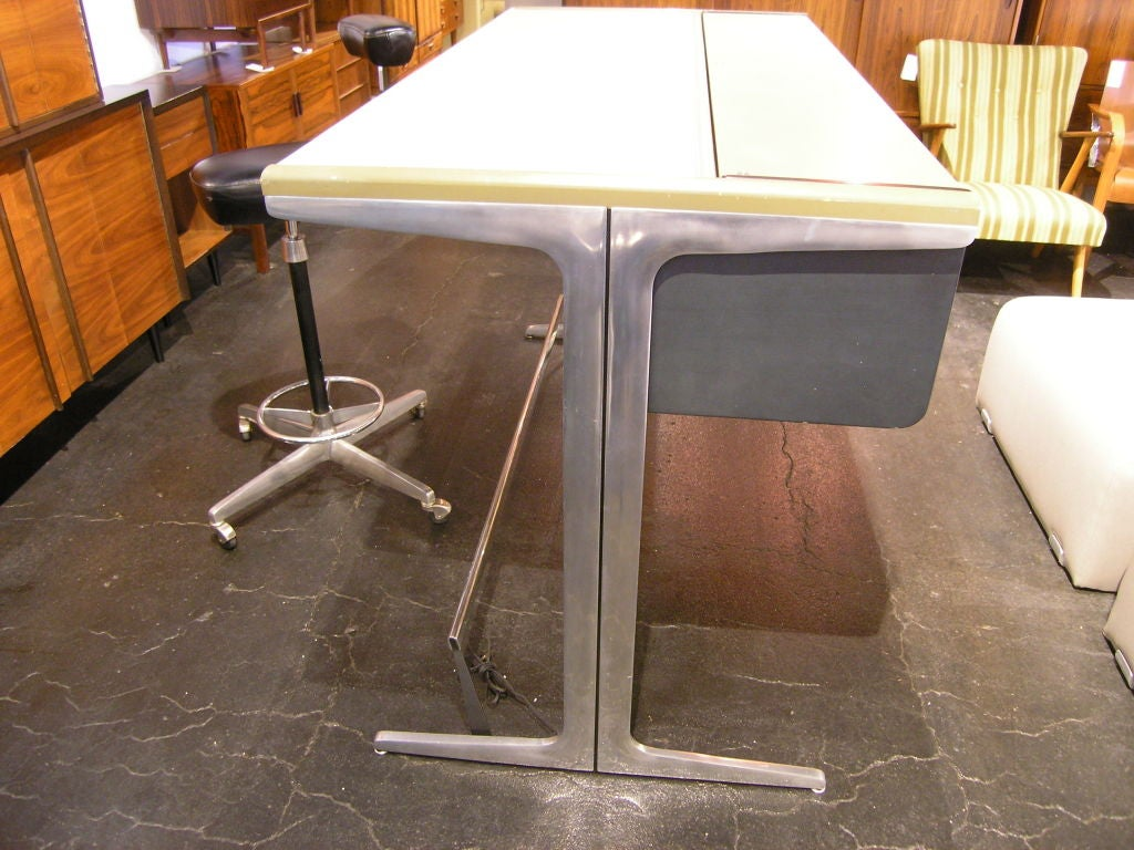 Action Office 1 Desk By George Nelson For Herman Miller At