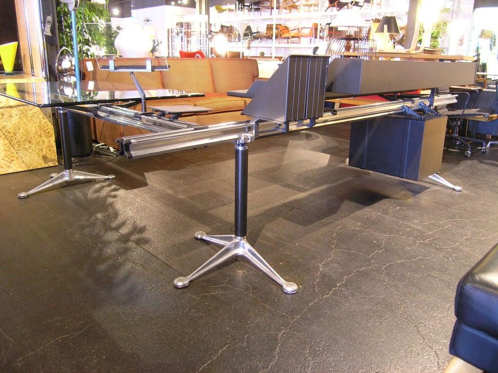 Bruce Burdick developed this design for Herman Miller in 1980 as