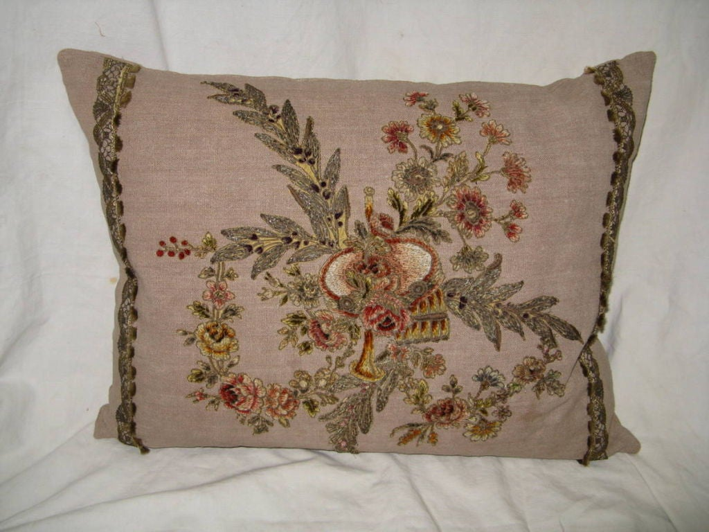 Louis XV Pair of 19th C French Appliqued Linen Pillows For Sale