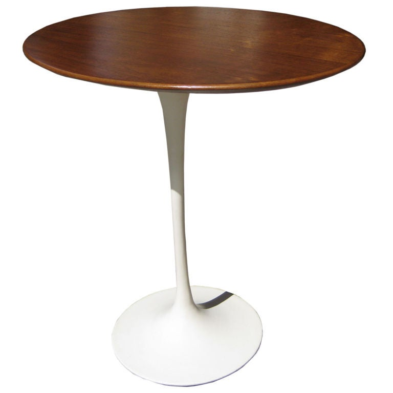 Table basse ovale saarinen knoll for Table knoll ovale marbre blanc