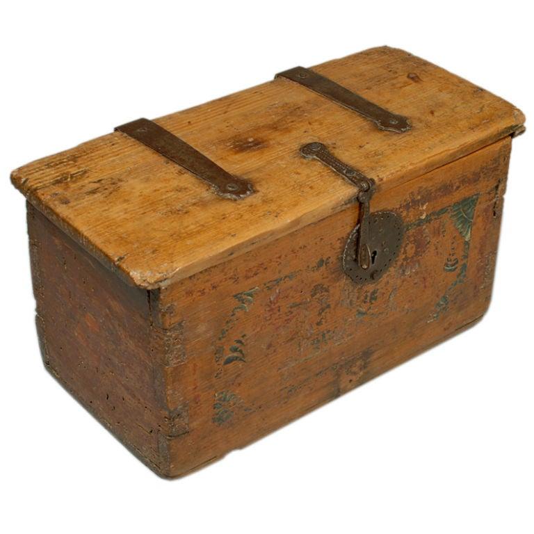 Decorative Boxes That Lock : Boxes detail g