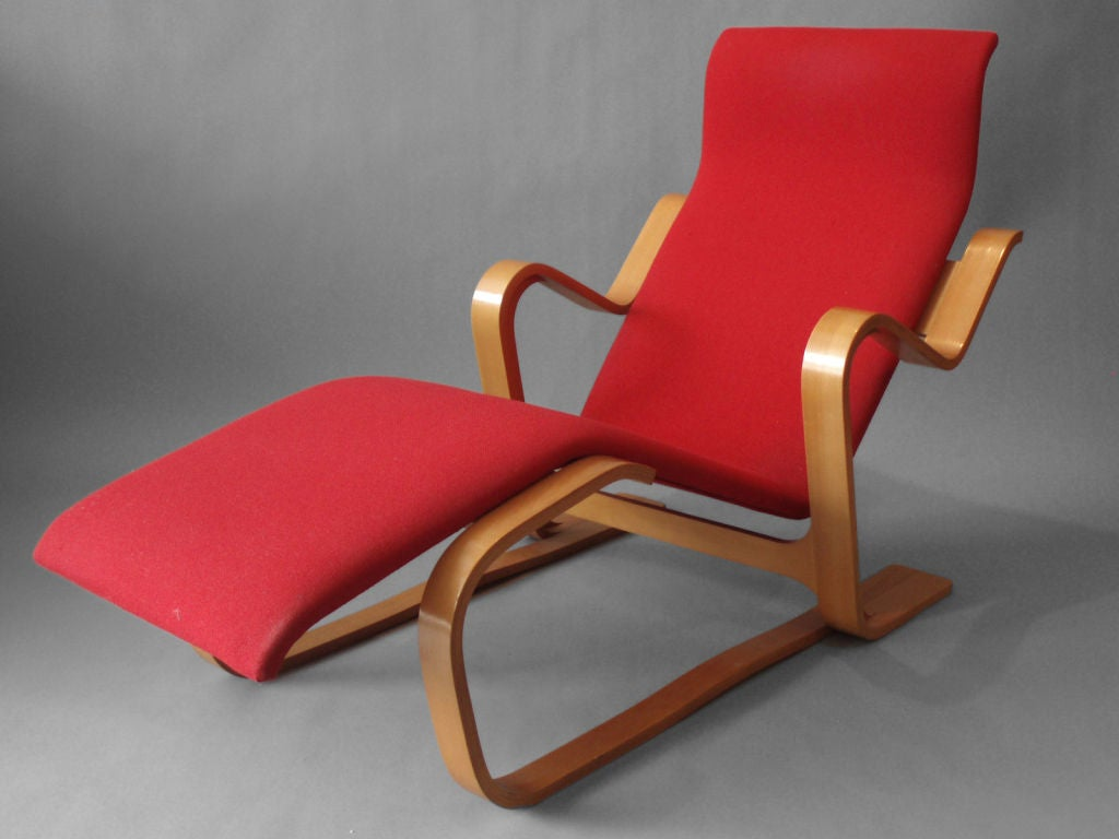 Laminate bentwood lounge chair by marcel breuer at 1stdibs for Chaise bentwood