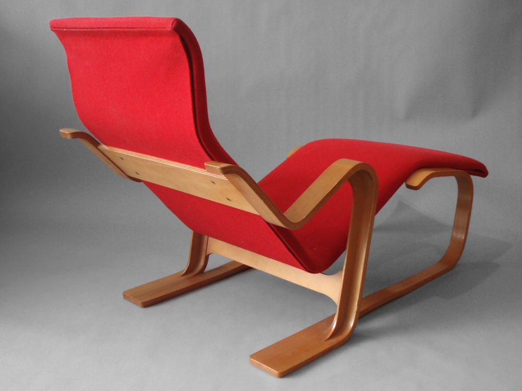 Laminate bentwood lounge chair by marcel breuer at 1stdibs for Breuer chaise lounge