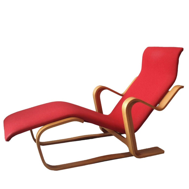 Laminate bentwood lounge chair by marcel breuer at 1stdibs for Breuer chaise longue