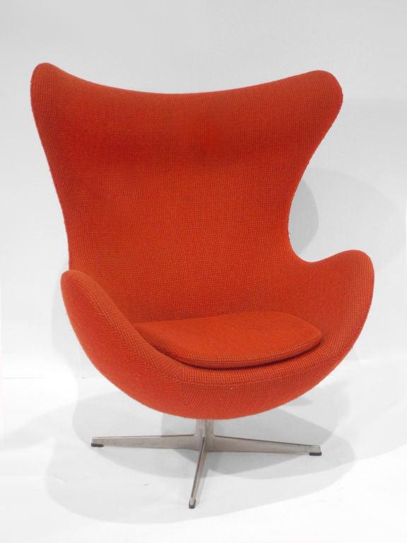 Swivel egg chairby Arne Jacobsen for Fritz Hansen.