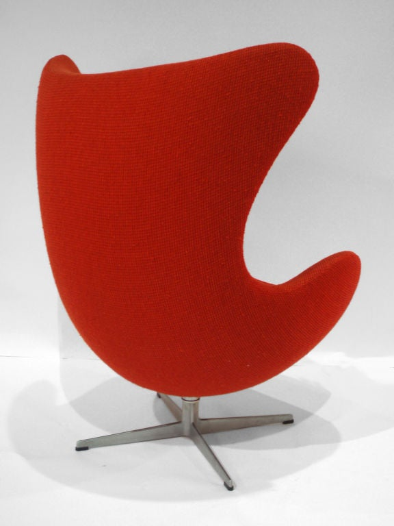Swivel Egg Chair By Arne Jacobsen For Sale At 1stdibs