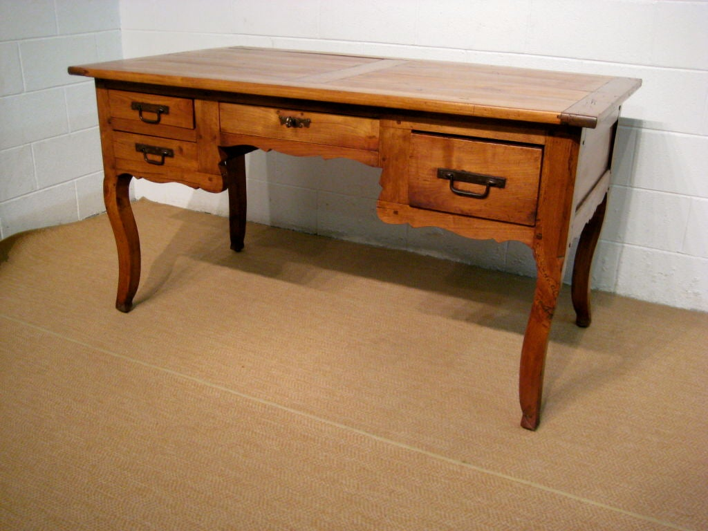 French country louis xv style desk or bureau plat at 1stdibs for Bureau french