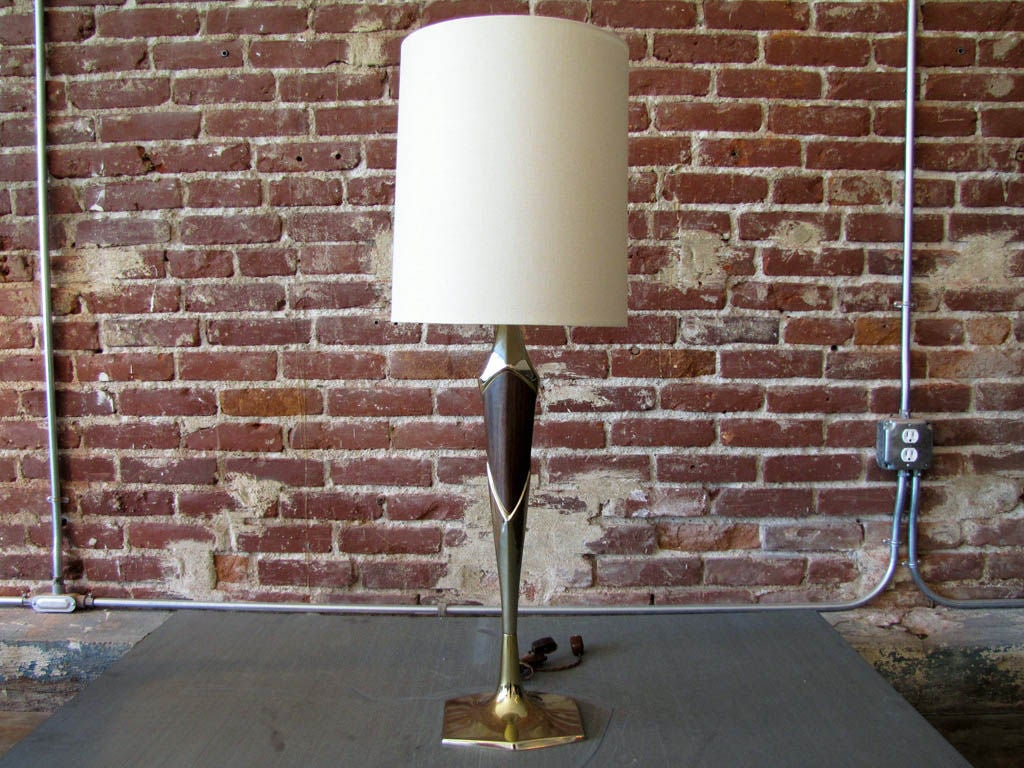 single laurel table lamp