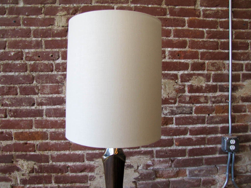 Laurel Table Lamp In Excellent Condition For Sale In Los Angeles, CA