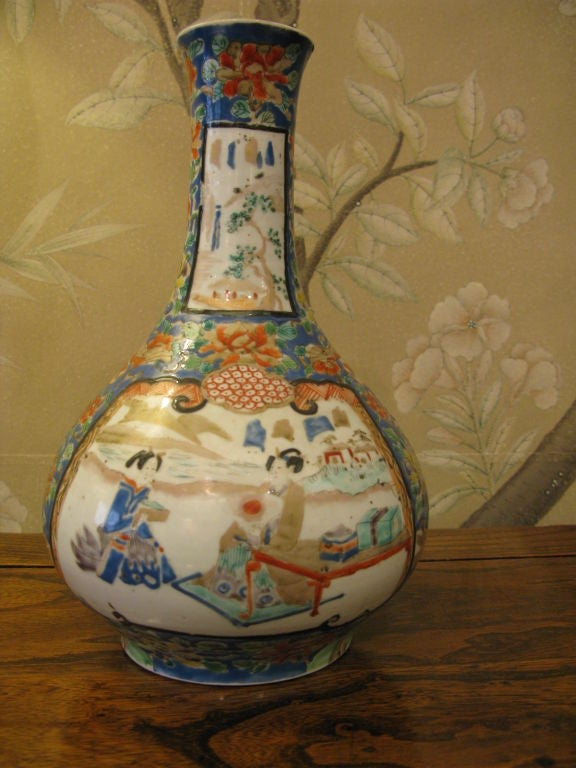 Antique Japanese Kutani Bottle Shaped Vase In Good Condition For Sale In New York, NY