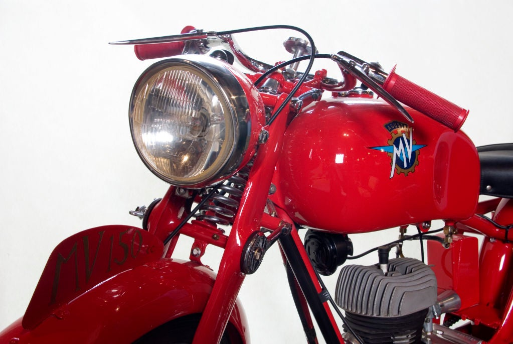 Vintage MV Agusta Motorbike 150CC In Excellent Condition For Sale In San Francisco, CA