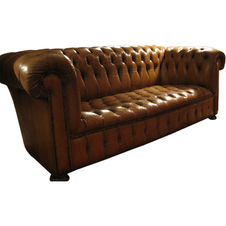 Chesterfield leather tufted sofa at 1stdibs for Tufted leather sleeper sofa