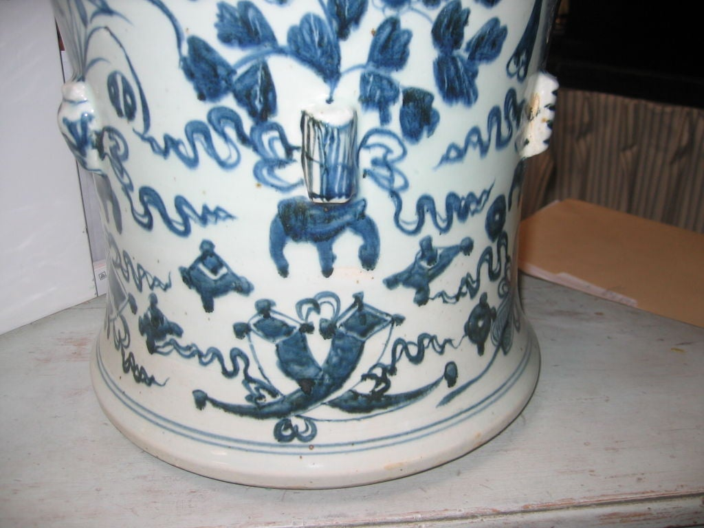 Pair of Vintage Blue and White Chinese Temple Jars with Lids 3