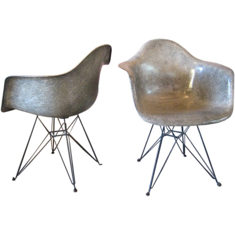 Pair of early zenith armshell chairs by charles eames at 1stdibs - Fauteuil eames original ...