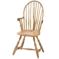 Bow-back windsor armchair