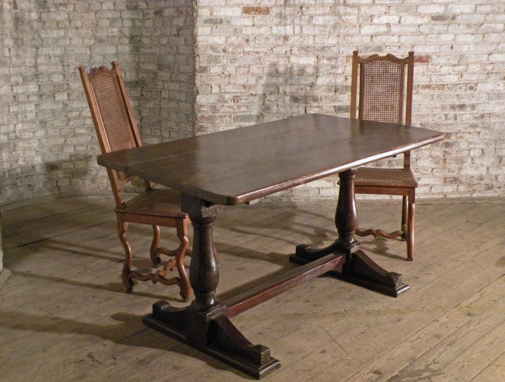 17th century Italian Baroque walnut Trestle Table In Good Condition For Sale In Troy, NY