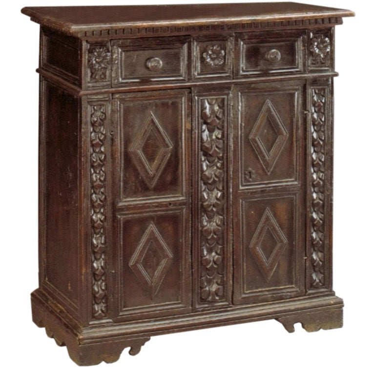 Italian 17th century Baroque walnut Credenza or Small Cabinet