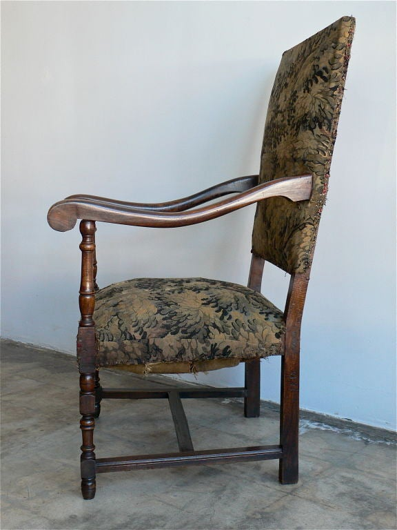 Single, 19th century, French armchair in beech wood.<br /> Generous proportions.