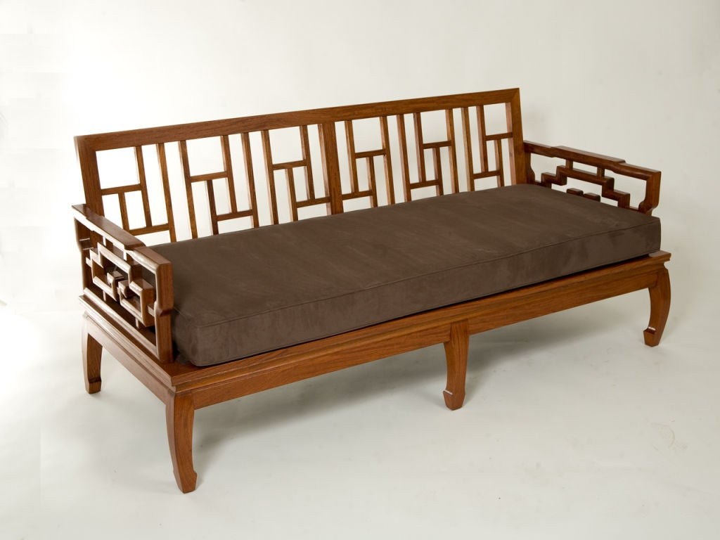 20th Century Pair of Rosewood Chinese Couches For Sale