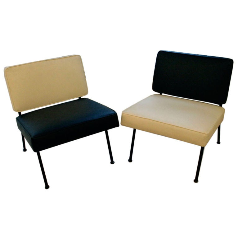 Knoll Associates Designed Pair Of Lounge Chairs At 1stdibs