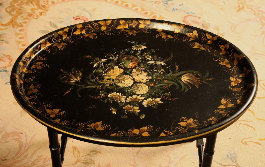 English Regency Tole Tray Table In Excellent Condition In Woodbury, CT