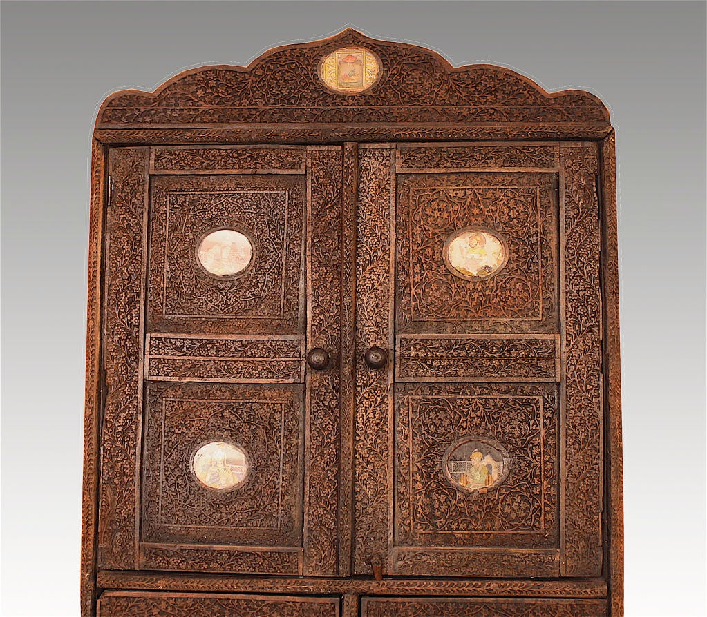 Indian Brahmin Plaqued Vine-Carved Corner Cabinet In Good Condition For Sale In Woodbury, CT