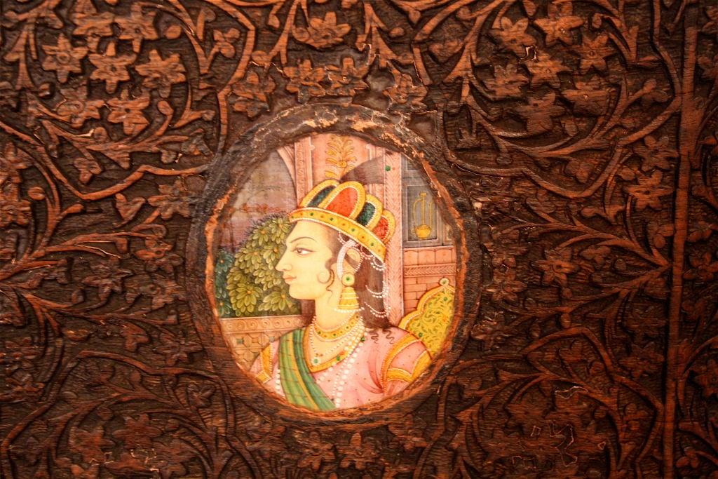 Indian Brahmin Plaqued Vine-Carved Corner Cabinet For Sale 3