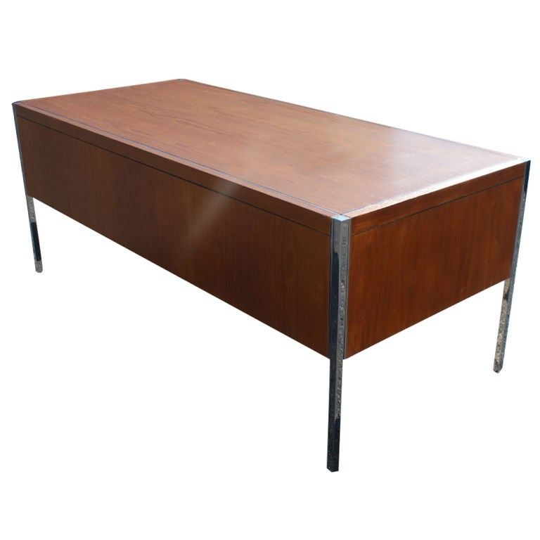 Richard Schultz For Knoll Executive Desk At 1stdibs