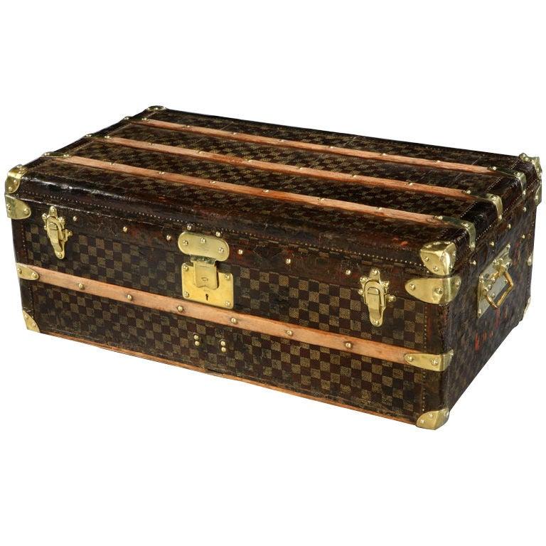 Louis Vuitton 'Damier' cabin trunk