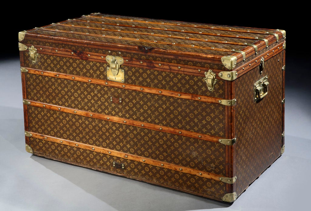 Bilderesultat for louis vuitton trunk