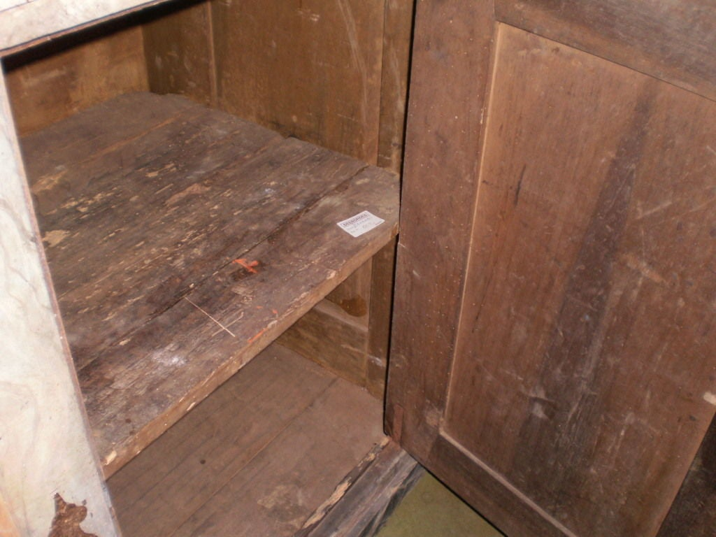 18th Century Italian Credenza From Tuscany In Good Condition For Sale In Houston, TX