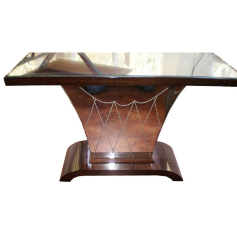 French art deco mirrored cocktail or side table at 1stdibs for Mirrored coffee table and end tables