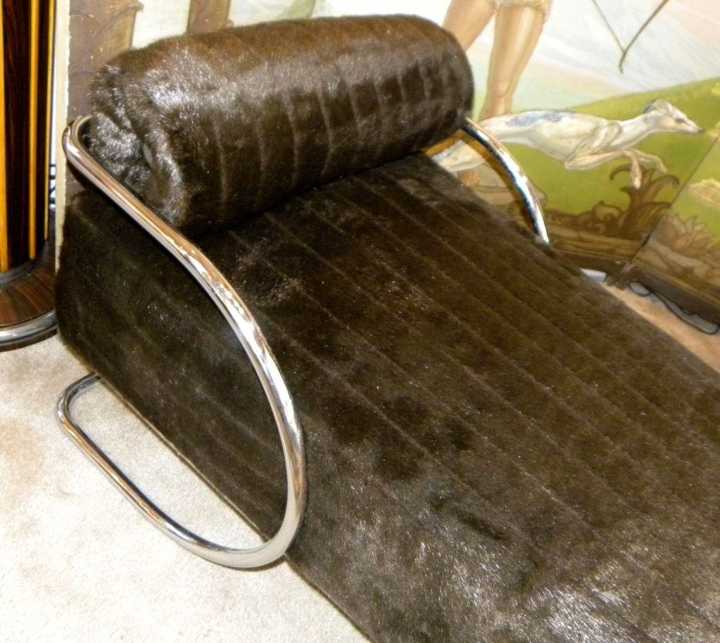 Classic bauhaus chase lounge in metal circa 1940 s at 1stdibs for Bauhaus chaise lounge