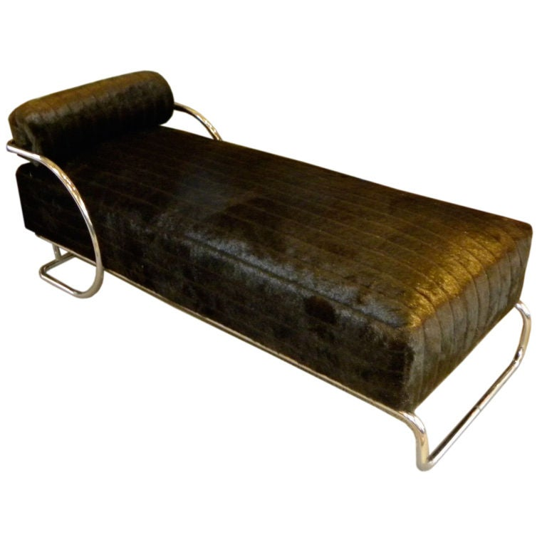 Classic bauhaus chase lounge in metal circa 1940 s at 1stdibs for Chaise 1940