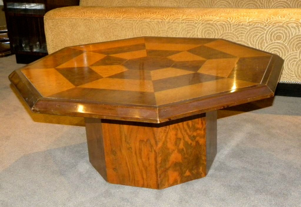 Gentil Art Deco Original Two Tone Octagon Coffee Table For Sale