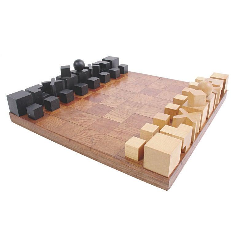 Modernist Bauhaus Chess Set designed by Josef Hartwig For Sale