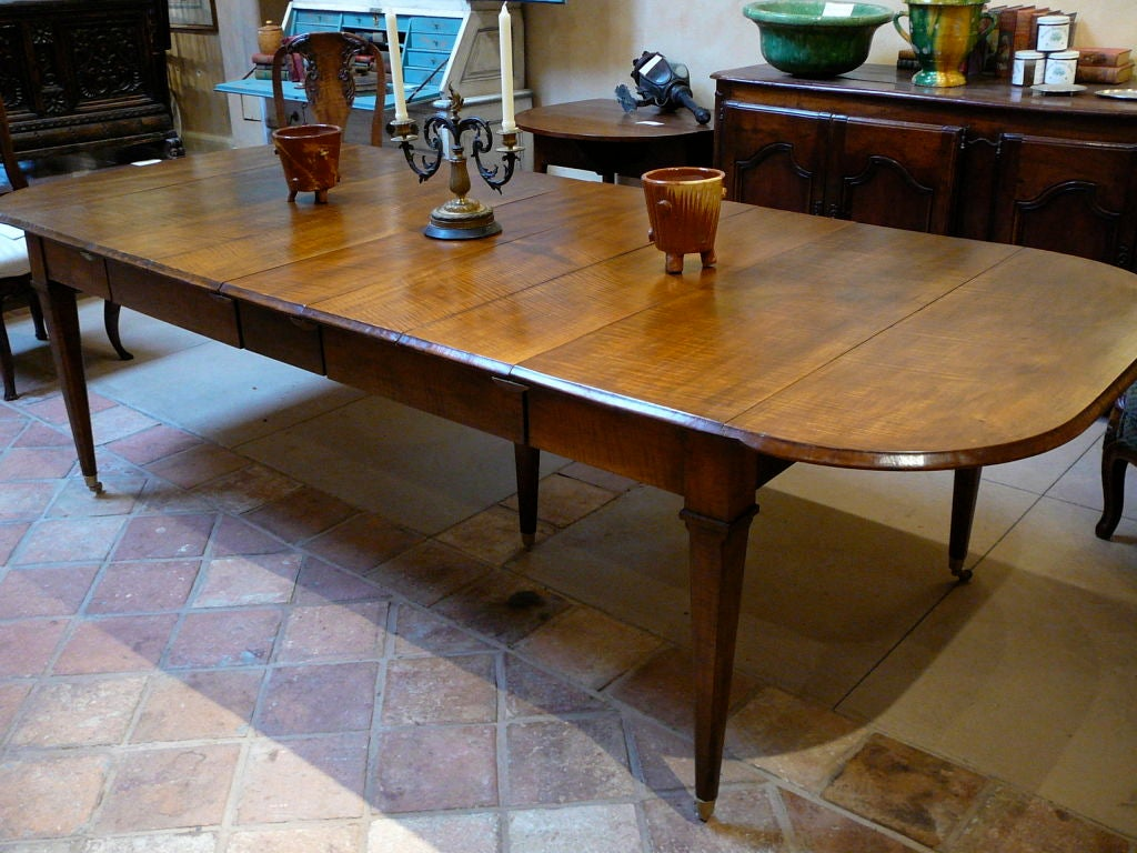 curly maple extending dining table at 1stdibs. Black Bedroom Furniture Sets. Home Design Ideas
