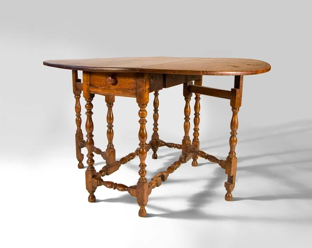 Maple William and Mary Gateleg Table For Sale at 1stdibs